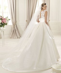 Pronovias Dalia Wedding Dress