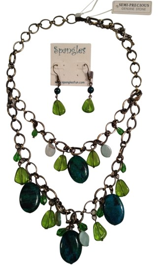 Preload https://img-static.tradesy.com/item/990624/lime-green-and-turquoise-spangles-double-strand-semi-precious-stone-necklace-and-earring-set-0-0-540-540.jpg