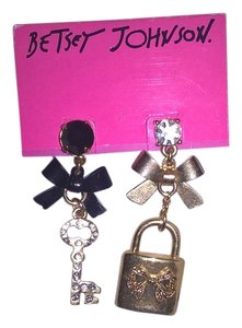 Betsey Johnson Betsey Johnson Gold and Black mismatched earrings key and lock