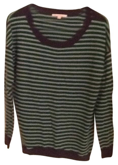 Preload https://item4.tradesy.com/images/gap-navy-and-green-sweaterpullover-size-6-s-990933-0-0.jpg?width=400&height=650
