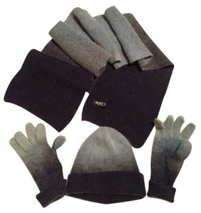 Renne's Wool and angora.Hat, gloves and scarf