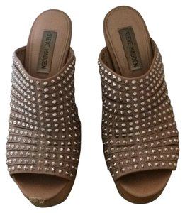 Steve Madden Tan. Silver. wood Wedges