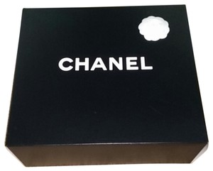 Chanel New Authentic Made in Italy Large Purse GST box With Camellia flower and Ribbon