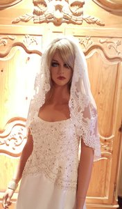 Bridal Elbow Length Lace Veil With Comb Light Ivory