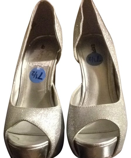 Preload https://img-static.tradesy.com/item/9916156/express-silver-sparkle-pumps-size-us-75-regular-m-b-0-1-540-540.jpg