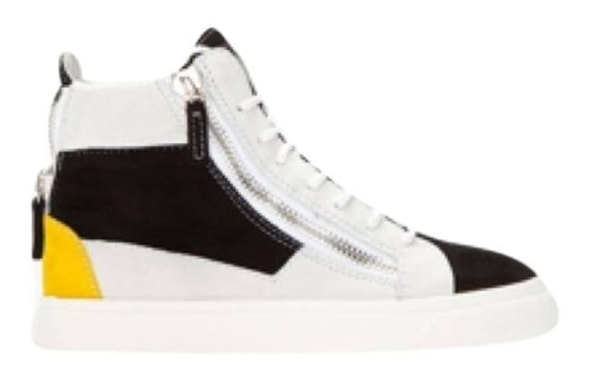 Item - Black Yellow and White Sneakers Size US 8.5 Regular (M, B)