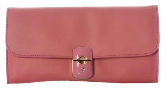 Preload https://img-static.tradesy.com/item/9919231/balenciaga-2013-padlock-rose-pink-calfskin-leather-clutch-0-1-540-540.jpg