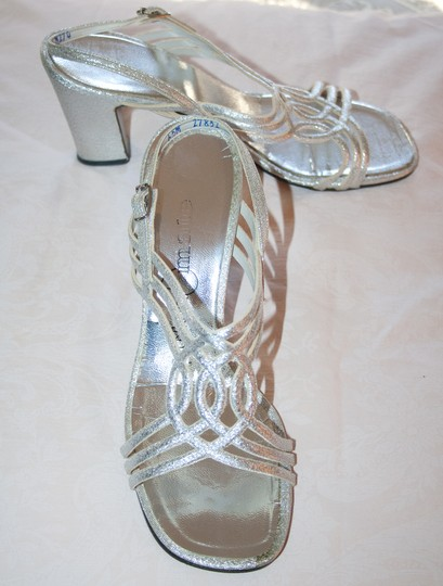 ColorMate Strappy 6.5m Sale Silver Pumps