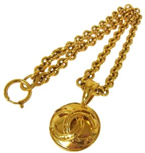 Chanel Authentic CHANEL Vintage CC Logos Gold Chain Medallion Necklace France LP12520