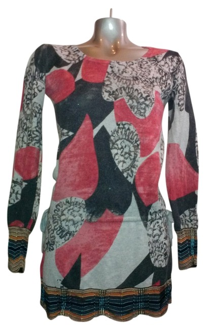 Preload https://item5.tradesy.com/images/custo-barcelona-gray-cranberry-multicolor-knitwear-mixed-media-tunic-tunic-sweaterpullover-size-6-s-9922744-0-3.jpg?width=400&height=650