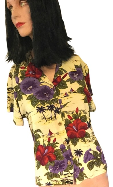 Preload https://img-static.tradesy.com/item/9925927/tommy-bahama-tropical-flowers-sailboats-palm-trees-coconut-buttons-blouse-size-4-s-0-1-650-650.jpg