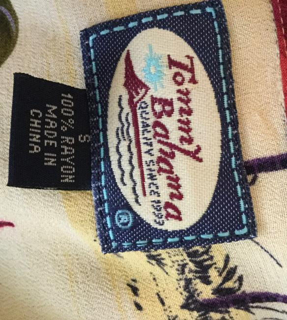 Tommy Bahama Tropical Hibiscus Sailboat Coconut Buttons Top