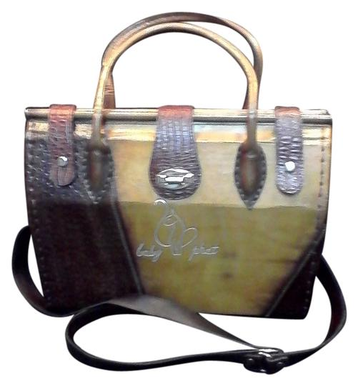 Preload https://img-static.tradesy.com/item/9930985/dark-brownbrown-all-leather-shoulder-bag-0-1-540-540.jpg