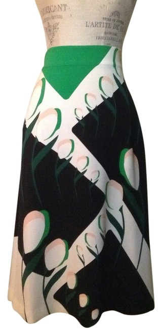 Preload https://item2.tradesy.com/images/thom-browne-ivory-green-and-black-floral-knee-length-skirt-size-2-xs-26-9931246-0-1.jpg?width=400&height=650