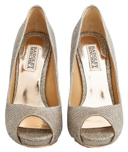 Badgley Mischka Platino Pumps