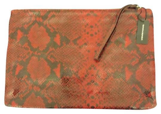 Preload https://item2.tradesy.com/images/banana-republic-558329-011-black-and-red-splithide-cow-leather-clutch-9932686-0-1.jpg?width=440&height=440