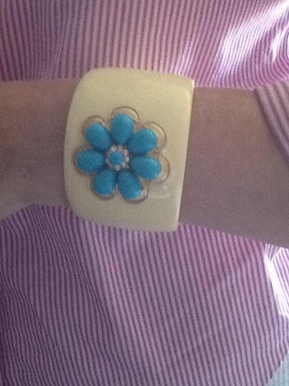 Other Vintage Butter cream, turquoise flower cuff