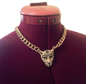 Claire's chunky gold chain tiger necklace