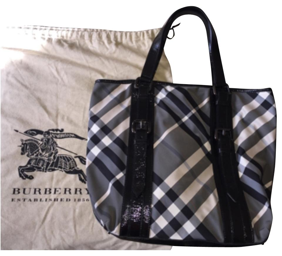 Burberry Rare Nova Beat Check Large Victoria Light Black White Check Plaid  Nylon Weatherproof Handbag Purse A4 Gray Patent Leather Tote 85bc121e9c5ef