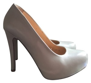 United Colors of Benetton Grey Pumps