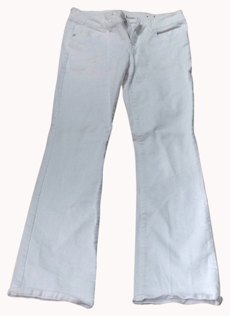 Preload https://img-static.tradesy.com/item/993599/guess-white-light-wash-boot-cut-jeans-size-28-4-s-0-0-650-650.jpg