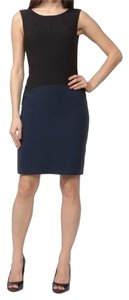 BCBGMAXAZRIA Color-blocking Form Fitting Sleeveless Classic Dress