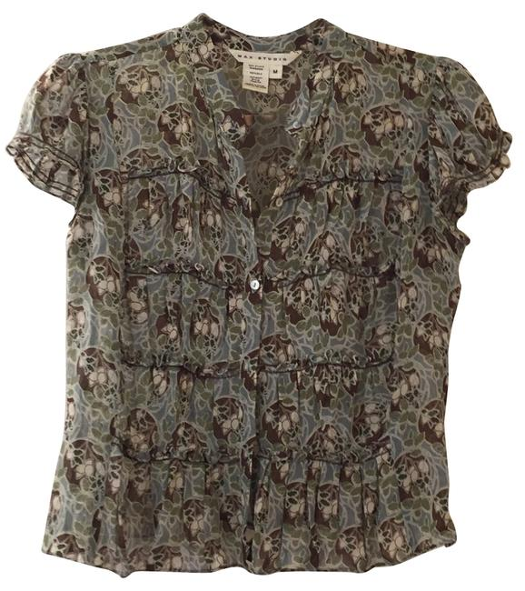 Preload https://item3.tradesy.com/images/max-studio-multi-color-blouse-button-down-top-size-8-m-9938317-0-1.jpg?width=400&height=650