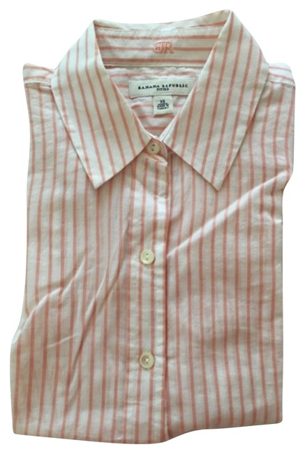 Preload https://item2.tradesy.com/images/banana-republic-button-down-top-size-2-xs-9941176-0-1.jpg?width=400&height=650