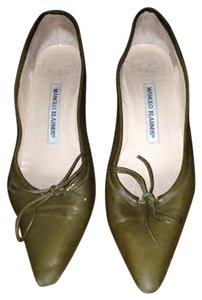Manolo Blahnik Olive Pumps