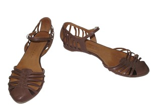 Chie Mihara Brown Sandals