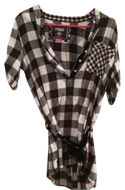 Preload https://item1.tradesy.com/images/pink-black-and-white-blouse-size-8-m-9945445-0-1.jpg?width=400&height=650