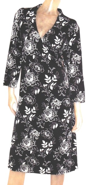 Preload https://img-static.tradesy.com/item/994816/nine-and-co-black-and-white-floral-rayon-blend-faux-wrap-above-knee-short-casual-dress-size-12-l-0-0-650-650.jpg
