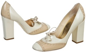 Marc by Marc Jacobs Cream Pumps