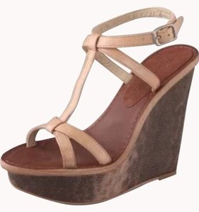 Elizabeth and James Multi Wedges