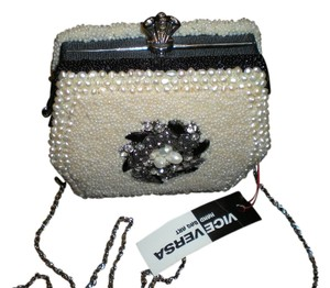 Other Pearl Handmade Pearl Satchel in white pearls