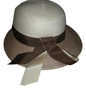 Vintage Sandra New York Vintage Sandra New York Beige Straw Womans Hat, Made in USA Size 22 1/2 Mint Condition