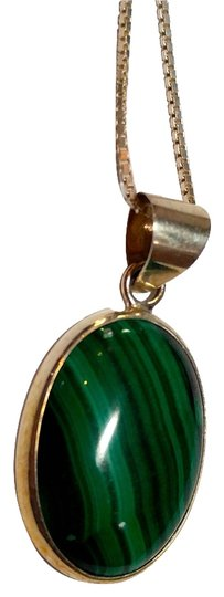 Preload https://img-static.tradesy.com/item/9958165/green-silver-malachite-stone-pendant-sterling-a022-necklace-0-3-540-540.jpg