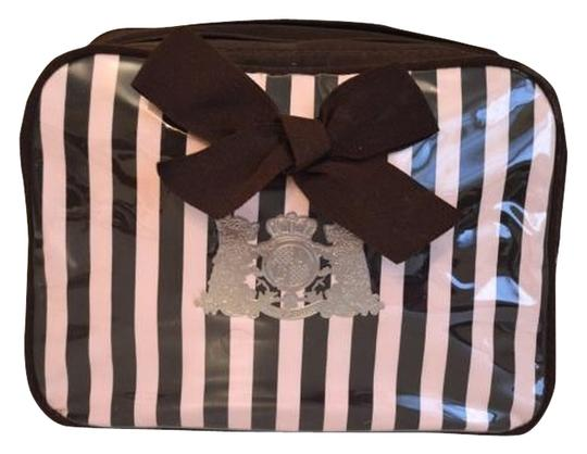 Preload https://item2.tradesy.com/images/juicy-couture-large-makeup-case-cosmetic-bag-9958936-0-1.jpg?width=440&height=440