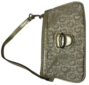 Guess Wristlet in gold