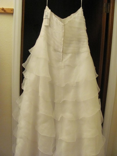 David's Bridal Soft White Organza Modern Wedding Dress Size 12 (L)
