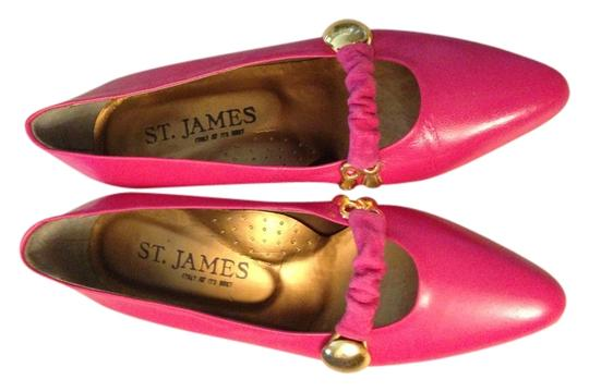 Preload https://item2.tradesy.com/images/st-james-hot-pink-and-gold-pumps-996081-0-0.jpg?width=440&height=440