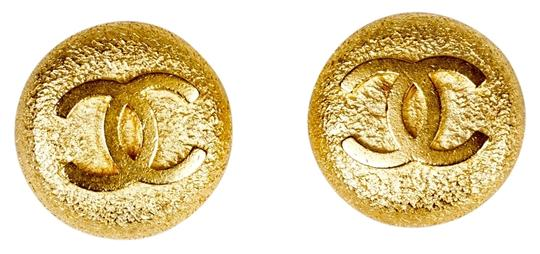 Preload https://item3.tradesy.com/images/chanel-gold-round-cc-earrings-9965962-0-1.jpg?width=440&height=440