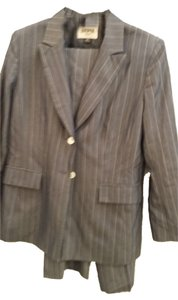 Kasper Kasper Gray Petite 2-Piece Pin Striped Pant-Suit Size 12P