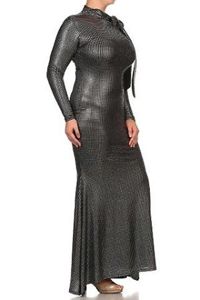 Boutique 9 Silver Maxi Dress....ready For The Holidays Long Formal Dress  Size 20 (Plus 1x) 47% off retail