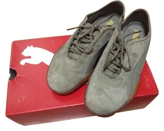 Preload https://img-static.tradesy.com/item/996999/puma-dark-olive-suede-lace-up-sneakers-with-grip-soles-sneakers-size-us-6-regular-m-b-0-0-540-540.jpg