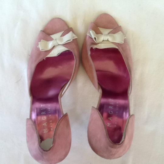 MAGRIT Suede Bow Peep Toe Pink & White Pumps