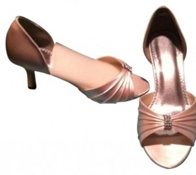 Item - Champagne W / Heel Formal Shoes Size US 8