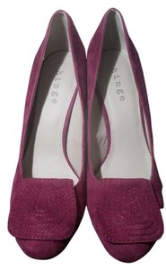 Hinge Purple Wedges