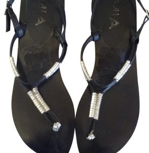 Mia Shoes Leather Thong Black & Silver Sandals