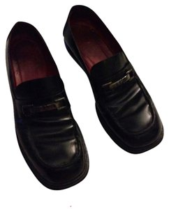 Gucci Black with silver hardware Flats